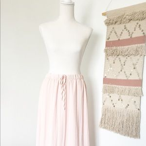 🛍 GAP light pink drawstring skirt